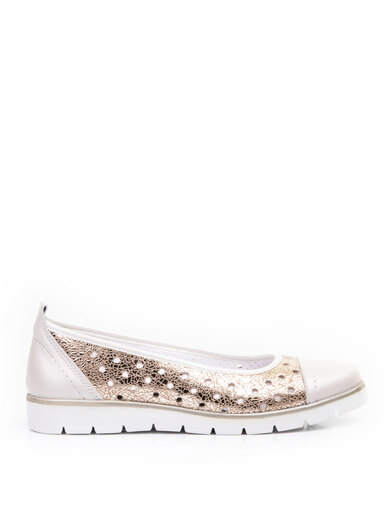 Perforated ballerina shoes
